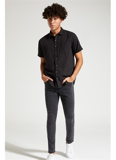 DeFacto Slim Fit Basic Kısa Kollu Gömlek Siyah
